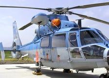 Elicottero israeliano del blu marino di salvataggio e di ricerca fotografie stock libere da diritti