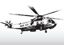 Elicottero militare durante il volo Fotografia Stock