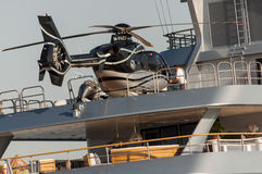 elicottero sull'yacht Fotografie Stock