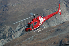 Elicottero in Zermatt Fotografie Stock