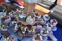 Elightful aromatyczne świeczki handwork jako kawałki tort Zdjęcie Royalty Free
