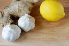Eliksir zdrowie od cytryny, czosnku i imbiru, Weightloss remedium Sposoby dla czyści naczyń i normalizacja nacisk zdjęcia stock