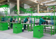 Eliminação da eletrônica que recicla a fábrica imagem de stock