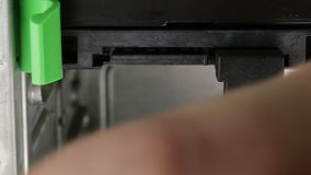 Eliminación de los cables del ordenador almacen de metraje de vídeo