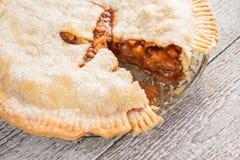Elimine uma parte de torta de maçã americana fotos de stock royalty free