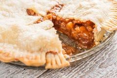 Elimine uma parte de torta de maçã americana fotografia de stock