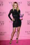 Elin Kling kommt in Victoria's Secret an, was reizvoll ist? Party Lizenzfreie Stockfotos
