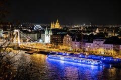 Elisabeth Bridge - Boedapest - Hongarije stock foto's