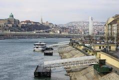 Elisabeth Przerzuca most łączyć Budę i zarazy przez Rzecznego Danube (Erzsebet chował) budapesztu Zdjęcia Royalty Free