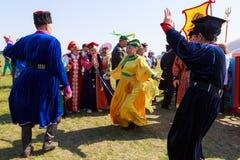 Elista Tulip Festival Ensemble de folklore d'artistes Photos libres de droits