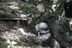 Elita wyzwanie - szkolenie wojskowe, rywalizacja cywile fotografia royalty free