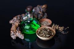 Elixir mágico, hierbas fotos de archivo libres de regalías