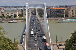 Elizabeth-Brücke in Budapest Ungarn stockfoto
