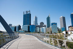 Elizabeth Quay Bridge et paysage urbain Photo stock