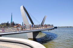 Elizabeth Quay Bridge: Moderne Techniek Stock Afbeelding