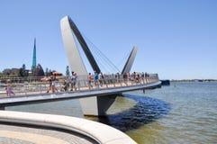 Elizabeth Quay Bridge: Moderne Technik Stockbild