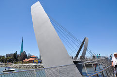 Elizabeth Quay Pedestrian Bridge Fotografering för Bildbyråer