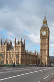 Elizabeth Tower som är bekant som Big Ben i London Royaltyfri Fotografi