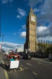 Elizabeth Tower y Big Ben Fotos de archivo libres de regalías
