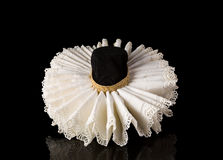 Elizabethan lace ruff collar. Display of an Elizabethan lace ruff collar Royalty Free Stock Photography