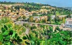 ElKantara横跨Rhummel河的桥梁在康斯坦丁,阿尔及利亚 免版税库存照片