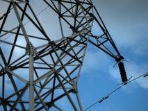 elkraften lines strömöverföringen Arkivbilder