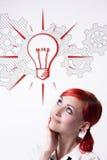 Ella está desarrollando una nueva idea Imágenes de archivo libres de regalías