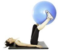 Ella hace ejercicio de algunos pilates Imagen de archivo
