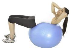 Ella hace ejercicio de algunos pilates Imagen de archivo libre de regalías