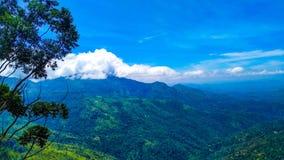 Ella vaggar Sri Lanka trevlig bergsikt royaltyfria foton