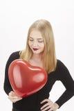 Elle est dans l'amour et elle le montre Image libre de droits