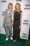Ellen De Generes-, Portia De Rossi-, Portia-deRossi, JA, Bel Air, Ellen DeGeneres] lizenzfreies stockbild