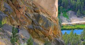 Ellende Ridge Trail in Smith Rocks State Park, een populair bergbeklimmingsgebied in centraal Oregon dichtbij Terrebonne stock afbeelding