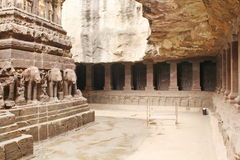 Ellora Caves, Binnenmening van de Kailasa-Tempel, Hindoes Hol Nr 16, India Royalty-vrije Stock Afbeeldingen