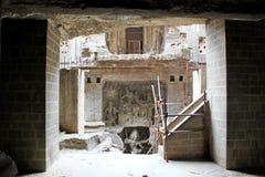 Ellora Caves fördärvar av den forntida stenen sned Kailasa templet, grottan inga 16, Indien Royaltyfria Bilder