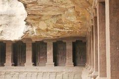 Ellora Caves, vista interna del tempio di Kailasa, caverna nessun di indù 16, India Immagine Stock