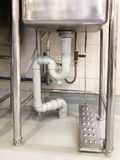 Eln Sie für offenes Wasser von Edelstahlwannen für Abwasch rad Stockbilder
