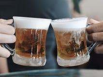 Elogios da cerveja da manteiga Fotografia de Stock Royalty Free