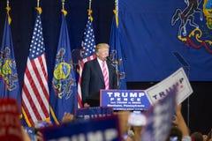 Elogios da multidão como Donald Trump Speaks Fotografia de Stock
