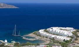 Elounda fjärd på den Crete ön i Grekland Arkivbilder