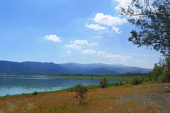 湖Elsinore 免版税库存图片