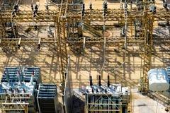 Elströmavdelningskontor, transformatorer, isolatorer Royaltyfri Fotografi