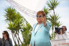 Elton John deltar i photocallen f?r arkivfoto