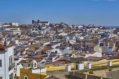 Elvas,阿连特茹,葡萄牙老镇的看法  免版税库存图片