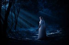 Elven dziewczyna przy lasem Zdjęcie Stock