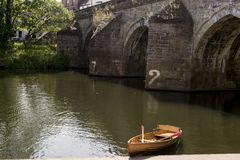 Elvet-Brücke über der Fluss-Abnutzung - Durham stockbild