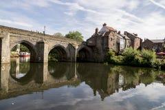 Elvet-Brücke über der Fluss-Abnutzung - Durham stockbilder