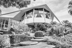 Elvis Presley Honeymoon Home modernista en blanco y negro Imagen de archivo libre de regalías