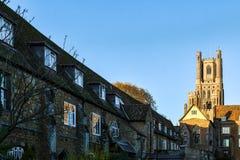ELY, CAMBRIDGESHIRE/UK - LISTOPAD 23: Zewnętrzny widok Ely Cath Obraz Royalty Free