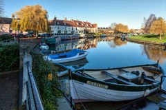 ELY, CAMBRIDGESHIRE/UK - NOVEMBER 23 : View along the River Great Ouse at Ely on November 23, 2012 royalty free stock photos